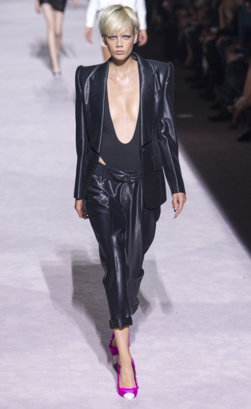Tom-Ford-Spring-Summer-2018-Ready-to-wear-on-the-Runway-Regime-black-look-Inspiration