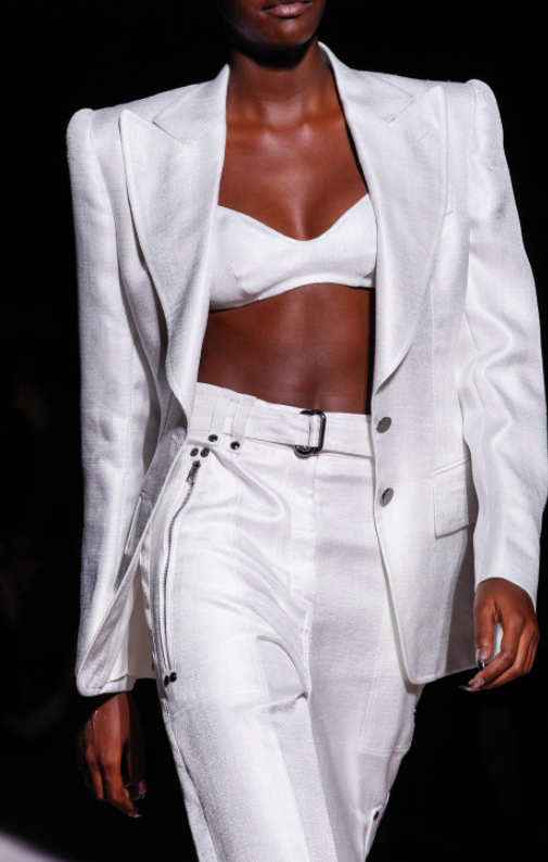 Tom-Ford-Spring-Summer-2018-Ready-to-wear-on-the-Runway-Regime-bold-shoulders