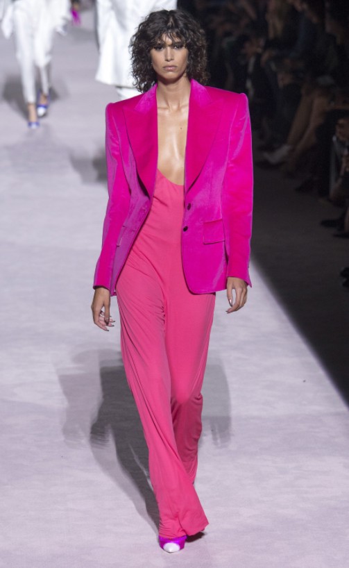 Tom-Ford-Spring-Summer-2018-Ready-to-wear-on-the-Runway-Regime-pink-please
